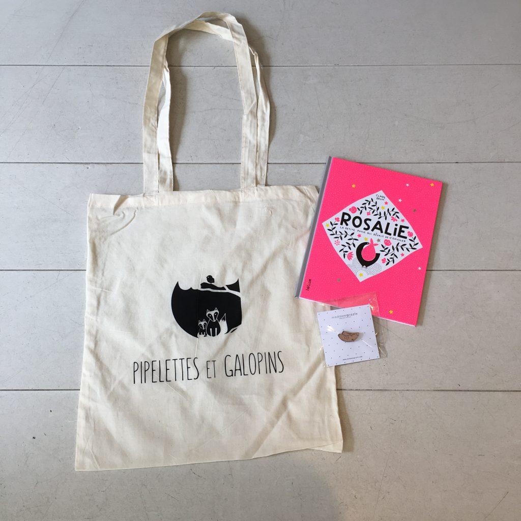 Notre joli logo sur des sacs en tissu réutilisables!