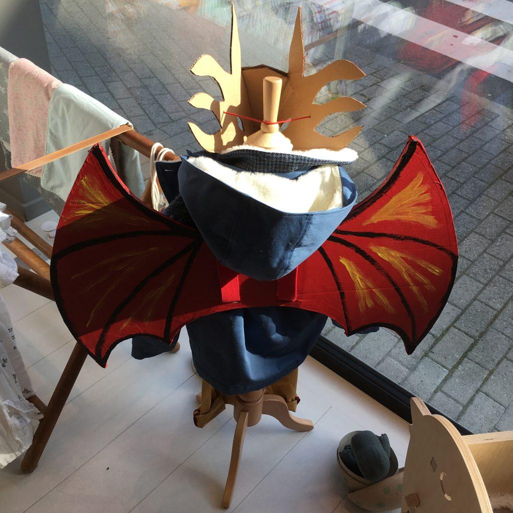 Les masques et les ailes Les cartons d'Anaïs, parfaits pour Halloween!
